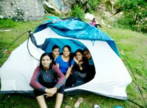 kheerganga trek camping